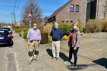 """Botermelkstraat komt in opstand tegen eenrichtingsverkeer: """"... (Erpe-Mere) - Het Nieuwsblad"""