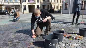 Beschmierter Marktplatz Stadt Stendal reißt nach missglückter Marktplatz-Reinigung der Geduldsfaden - Volksstimme
