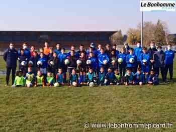 VIDEO PHOTOS Roye : 45 enfants au stage de football - Le Bonhomme Picard