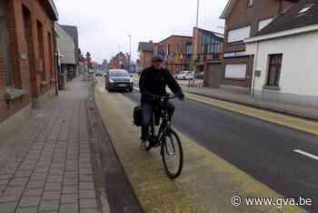 Fietsstroken en plantvakken, maar nog altijd geen apart fietspad in drukke straat in Lille - Gazet van Antwerpen