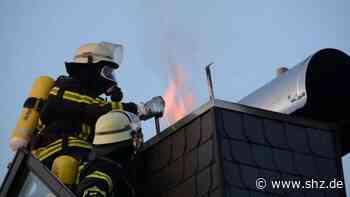 Flammen schlugen aus Abzug: Schornsteinbrand in Einfamilienhaus in Glinde   shz.de - shz.de