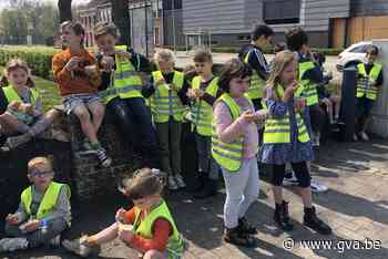 IJsje eten tijdens het buiten spelen (Olen) - Gazet van Antwerpen Mobile - Gazet van Antwerpen