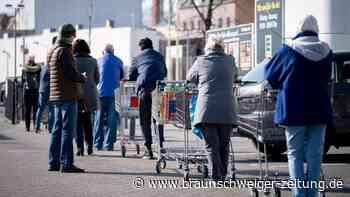 Newsblog: Corona: Wegen Notbremse droht Anstehen vor Supermärkten