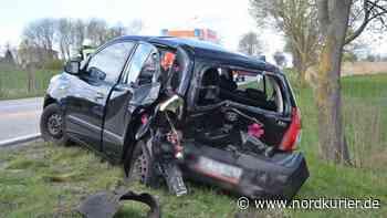 Rettungseinsatz nach Unfall bei Altentreptow - Nordkurier