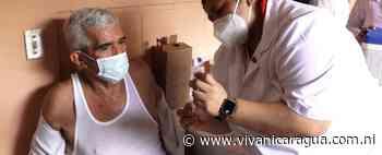 Pacientes crónicos y adultos mayores son inmunizados en Villa El Carmen - VIva Nicaragua Canal 13