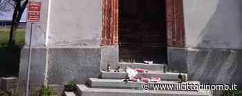 Macherio, rifiuti davanti alla chiesa delle Torrette: «Subito la videosorveglianza» - Il Cittadino di Monza e Brianza