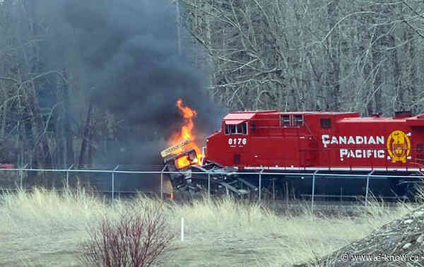Stalled semi hit by train in Sparwood
