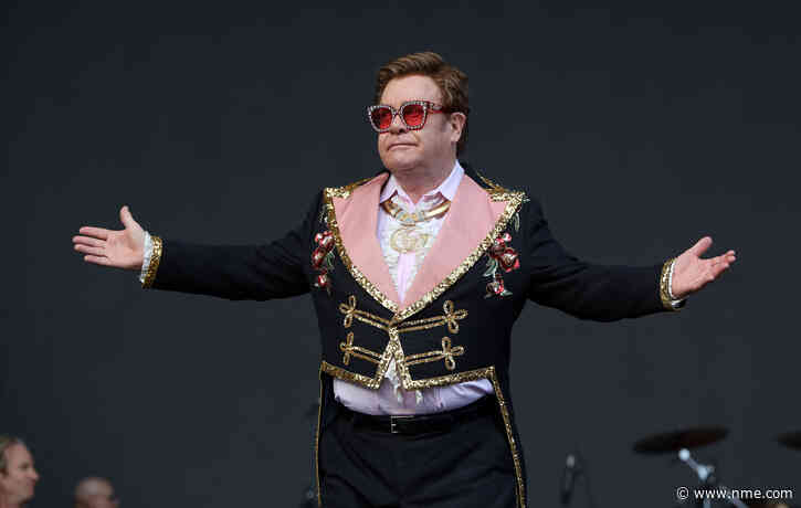 Elton John is inviting fans to his virtual pre-Oscars party