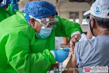 Aplican la vacuna anticovid a adultos mayores de Santo Domingo Tehuantepec - Diario Marca de Oaxaca