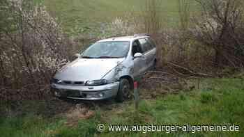 Unfall auf der A7 bei Illertissen: Auto landet im Graben - Augsburger Allgemeine