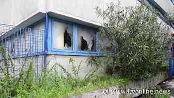 Atripalda, l'ex distretto sanitario abbandonato a vandali e rifiuti - Irpinia TV