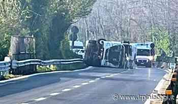 Atripalda, camion con azoto liquido si ribalta sulla Av-Sa: due feriti. Ultimi aggiornamenti - Irpiniaoggi.it - Irpiniaoggi.it