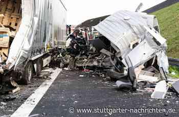 Unfall auf A6 bei Bad Rappenau - Mann fährt mit Wohnmobil in Lastzug und stirbt - Stuttgarter Nachrichten