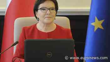 Poland's ex-PM criticised over photos after Smolensk plane crash - Euronews