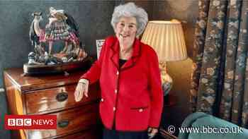 Betty Boothroyd auctions off 'life story' treasures as she downsizes
