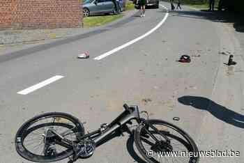 Tractor rijdt verder na aanrijding met fiets
