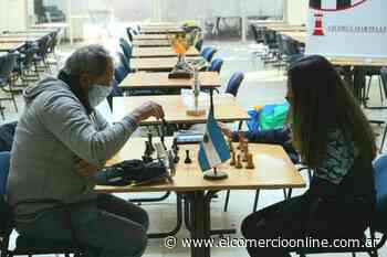 La Escuela Municipal de Ajedrez de Villa Martelli cumplió 40 años - elcomercioonline.com.ar