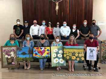 Hospital São Judas Tadeu de Jacutinga recebe doação de acervo de obras de arte | Jornal Bom Dia - Jornal Bom Dia