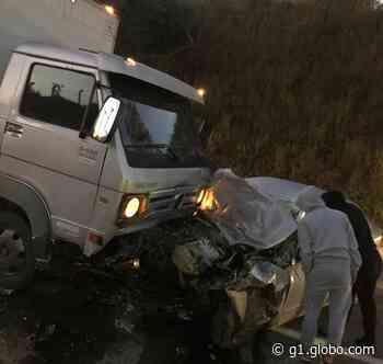 Motorista morre após bater veículo contra caminhão em rodovia de Jarinu - G1