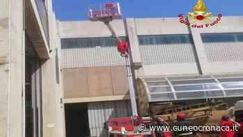 MONDOVI'/ Malore per un giovane operaio edile al lavoro sul tetto di un capannone: i soccorsi- Cuneocronaca.it - Cuneocronaca.it