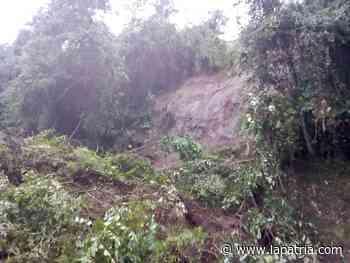 Vía cerrada entre Riosucio y Anserma por deslizamiento de tierra - La Patria.com