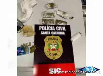 ÁUDIO: Polícia Civil prende estrangeiro suspeito de tráfico de drogas em Capinzal - Rádio Capinzal