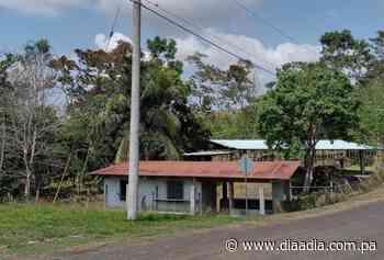Pobladores de Los Cañones en Capira reclaman electricidad - Día a día