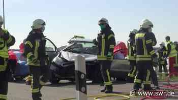 Tödlicher Verkehrsunfall in Limburgerhof - SWR