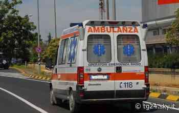 Suzzara, scontro tra un'auto e una moto: morto 22enne - Sky Tg24
