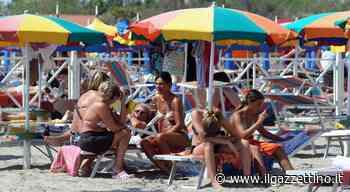 Gli ombrelloni di Rosolina già pronti: «Pentecoste salva, per maggio-giugno... - ilgazzettino.it