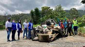 Se unieron para limpiar un tramo de la Quebrada El Guamo - BC Noticias