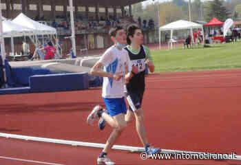 A Gavirate Lorenzo Tomera vince a braccia alzate - Intorno Tirano