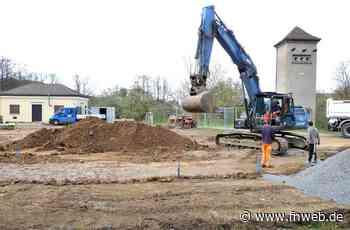 Aus dem neuen Brunnen floss reichlich Wasser nach Königshofen - Lauda-Königshofen - Nachrichten und Informationen - Fränkische Nachrichten