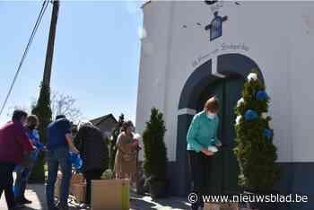Buurtbewoners en comité zetten Strokapel in de bloemen