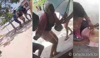Mujer que caminaba por una calle, resultó herida por disturbios en Ponedera - Caracol Radio
