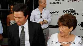 Mark Wahlberg in Trauer: Seine Mutter wurde nun beerdigt - Promiflash.de