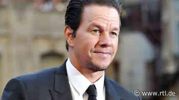 Mark Wahlberg vom eigenen Hund gebissen - RTL Online