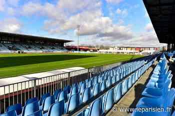 Colombes : la tribune du stade Yves-du-Manoir est à vendre - Le Parisien
