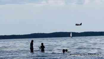 Médoc : les Canadair en guet aérien écopent dans le lac de Lacanau - Sud Ouest