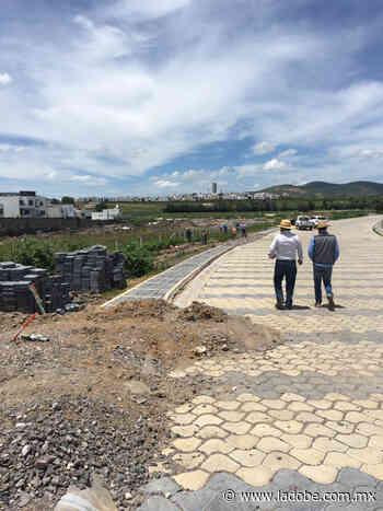 Lomas de Angelópolis construye sin permiso mientras que a particulares se los niegan - Lado B