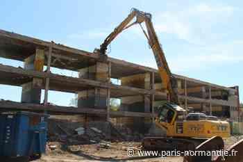 VIDÉO. À Pavilly, l'ancien collège Val Saint-Denis détruit par les pelleteuses - Paris-Normandie