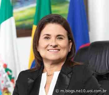 Prefeita de Igarassu promete reduzir distância dos alunos com o material didático - Blog de Jamildo - JC Online