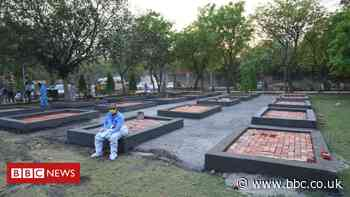 India Covid-19: Delhi adds makeshift crematoriums as deaths climb