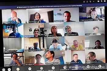 Dertigtal inwoners volgen gemeenteraad thuis vanuit hun zetel, oppositie wil telkens livestream