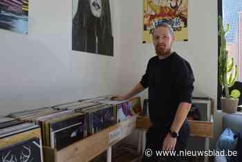 """Steven (46) opent platenwinkel in eigen huis: """"Binnenkort verhuis ik naar het centrum"""""""