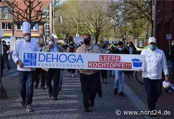Gastronomen demonstrieren in Zeven für Perspektive - Nord24
