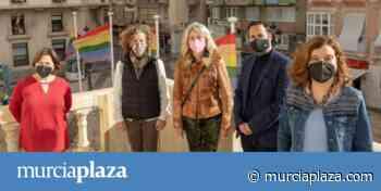 Cartagena iza la bandera de la igualdad y proclama el Día de la Visibilidad Lésbica - Murcia Plaza