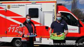 Patientin bedankt sich bei Mitarbeitern der Rettungswache Drentwede - kreiszeitung.de