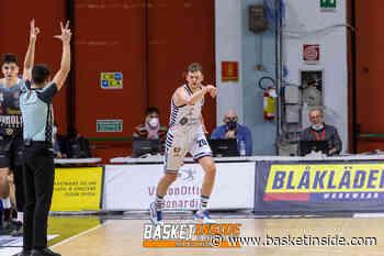 Bendzius e Sassari affondano Reggio Emilia nel finale - Basketinside