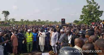 IDPs Block Makurdi-Lafia Highway, Protest Killing Of Seven By Herdsmen - Channels Television
